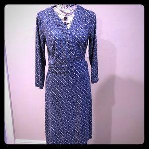 Ann Taylor wrap dress size 8. Blue diamond pattern